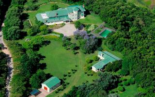 El exclusivo complejo está ubicado a 95 kilómetros de Capital.