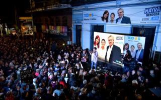 Mayra Mendoza es la nueva intendenta y por primera vez gobernará una mujer