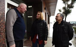 Vilma Baragiola, candidata a concejal, y Franco Bagnato, candidato a senador provincial, en Mar del Plata. Foto: @manu_mosca