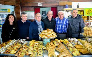 La recorrida tuvo lugar en la panadería Santa Clara, en la localidad de William Morris.