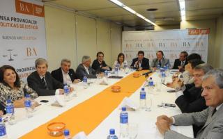 Referentes de diferentes sectores políticos participaron del encuentro. Foto: Ministerio de Justicia.