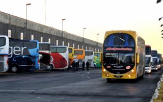 """Micros """"low cost"""": Eliminan las restricciones tarifarias al transporte de larga distancia"""