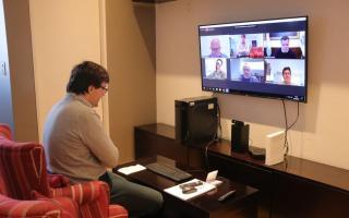 Ghi participó de conversatorio virtual