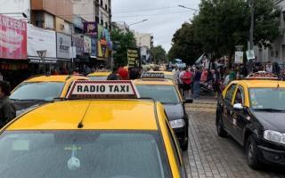 Los taxistas protestaron en Morón.