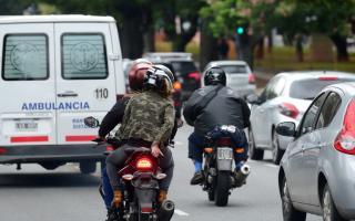 Los municipios fijarán zonas y horarios de circulación para dos ocupantes