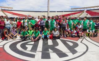 Grupo de chicos con discapacidad de Hurlingham participó de jornada de fútbol en el estadio de River
