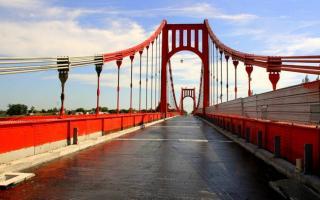 El puente que une Necochea y Quequén, monumento histórico nacional.