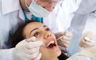 La actividad odontológica es con sistema de turno previo.