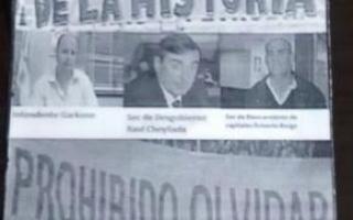 Los panfletos aparecieron en la Municipalidad.