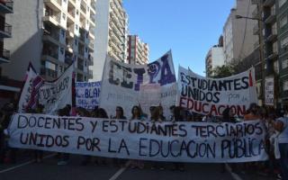 Docentes pararán el lunes y habrá un acampe frente a la Secretaría de Hacienda. Foto: Prensa