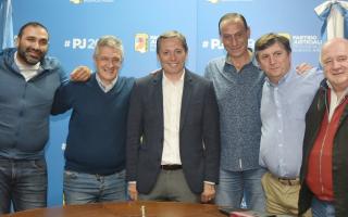 Gray avanza con acuerdos entre el peronismo bonaerense con Forja y el Polo Social