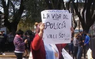 Video: Protesta policial bonaerense por aumentos y mejores condiciones de trabajo