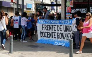 Un informe reveló que los salarios docentes de Argentinos son los más bajos. Fotos: Prensa