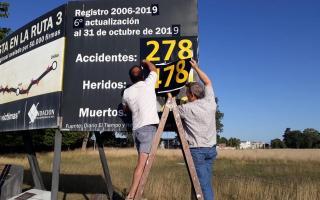 Ruta 3: Actualizan datos de muertes y heridos en cartel en Azul e insisten con la obra de la autopista