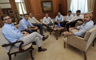 Intendentes y legisladores peronistas bonaerenses se reunieron con Frigerio en la Casa Rosada