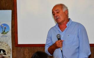 A Carlos Ronda sus propios concejales le votan en contra.