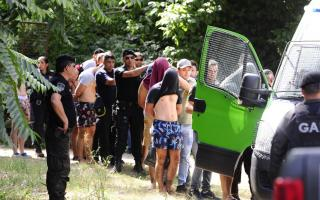 Los rugbiers son detenidos y trasladados en Villa Gesell