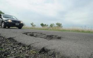 Las rutas provinciales en estado deplorable.