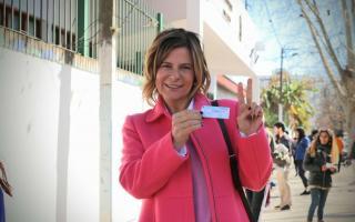 Florencia Saintout, luego de votar en el centro platense.