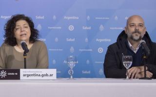Carla Vizzotti y Santiago Torales.