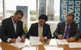 Samsung y la Provincia equiparán aulas de cuatro escuelas con alta tecnología