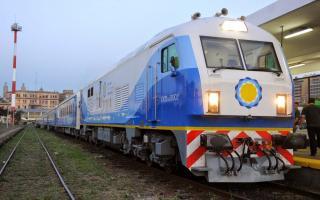 Tren Sarmiento que une Once y Chivilcoy aumenta un 50%