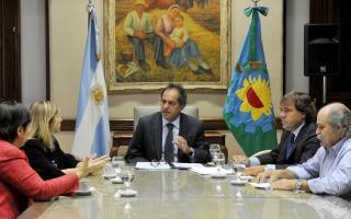 Scioli se reunió con el jefe de Gabinete, Alberto Pérez y los ministros Cristina Alvarez Rodríguez (Gobierno), Alejandro Granados (Seguridad) y Silvina Batakis (Economía)