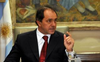 Scioli encabezó el primer encuentro provincial por la Ley de Adopción.