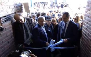 Los dirigentes inauguraron la Comisaría de la Mujer.