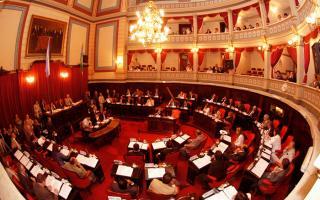 conformando un interbloque, el Frente para la Victoria logró recuperar la primera minoría en la Cámara de Senadores bonaerense.