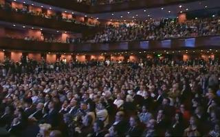 Miles de personas asistieron al acto.
