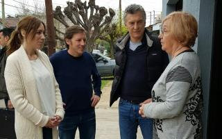 Macri y Vidal en San Miguel salieron a timbrear para explicar la crisis