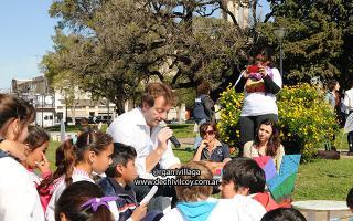 Speranza le leyó a los chicos. Foto: DeChivilcoy