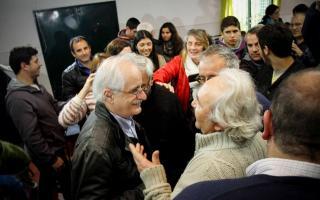 Jorge Taiana en una comisión de fomento de Olavarría.