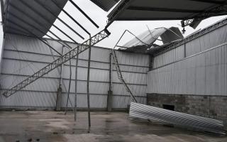 Se voló el techo de la planta de reciclado en Bragado.