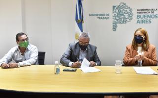 Tigre: Se firmó el primer convenio Colectivo de Trabajo para empleados municipales