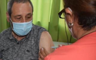 """""""Tengo la vacuna aplicada en sus dos dosis, lo que sin dudas debe ser el motivo de que no sienta ningún tipo de molestia"""", contó Pablo Torres."""