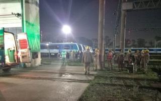 Llavallol: Dos operarios se electrocutaron cuando limpiaban el techo de un tren