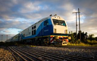 Como en el último verano, el tren a Mar del Plata suma una nueva frecuencia