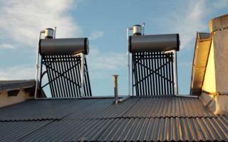 Todas las casas de Tres Picos cuentan con termotanques solares.