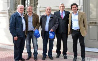 Nelson Pieriotti, Roberto Fernández, Carlos Moreno, Julián Domínguez; y Augusto De Benedetto en Tres Arroyos. Foto: Prensa Cámara de Diputados de la Nación.