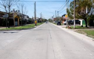 Así quedó un tramo del asfalto sobre Pueyrredón. Foto: Un Medio en Morón.