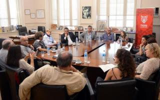 Zamora recibió a referentes de Unidad Isleña y a diputados nacionales.