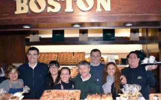 Urtubey con Bucca y Bonifatti apoyaron a trabajadores de confitería Boston de Mar del Plata
