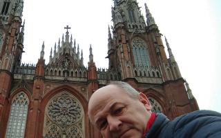 """Uset en la catedral de La Plata confirmó que va por la reelección y pidió """"fuerzas a Dios"""""""