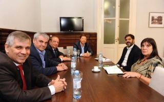 Algunos dirigentes vecinalistas en una reunión con el gobierno bonaerense
