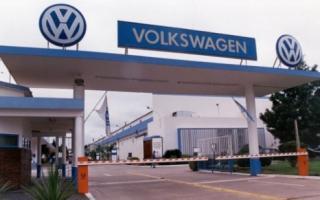 Volkswagen suspendió a 4 mil empleados en Pacheco.