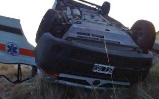 Muere un médico al volcar la ambulancia que llevaba a un paciente a Bahía Blanca