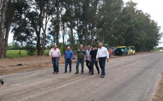 Torres recorrió obras de la Ruta 6 en Exaltación de la Cruz. Foto: La Noticia1