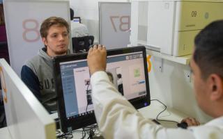 El 95% de los conductores bonaerenses podrá tener su licencia impresa en el día desde junio